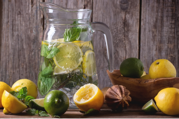 water with lemon and mint