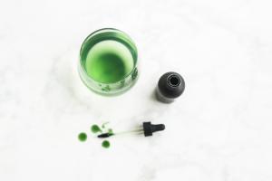 Liquid chlorophyll for heavy metal detox