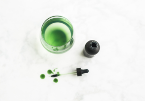 Liquid chlorophyll for heavy metal detox