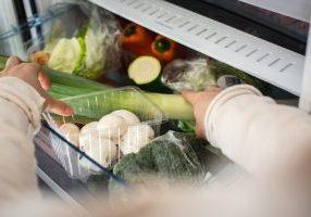 foodiesfeed.com_vegetables-in-fridge